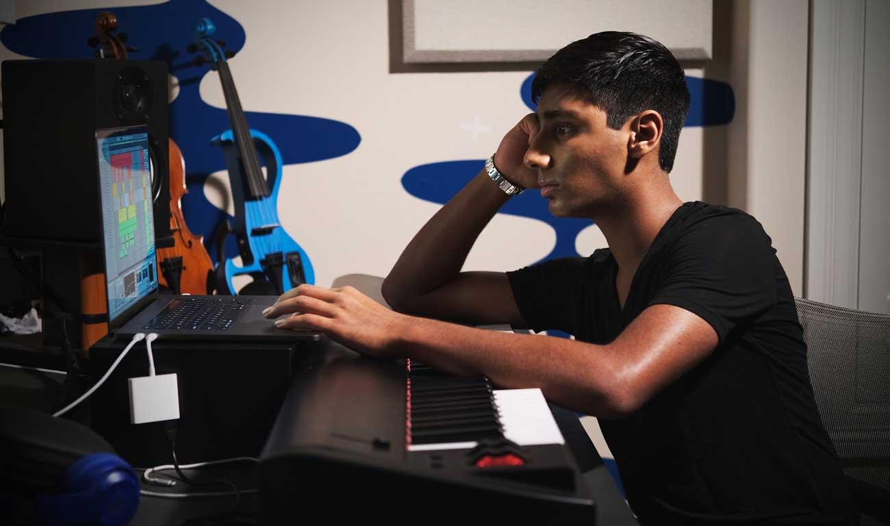Damani Blog - Promoting Music Video